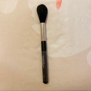 AESTHETICA PRO TAPERED HIGHLIGHT & BLENDING BRUSH